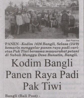 Kodim Bangli Panen Raya Padi Pak Tiwi-1