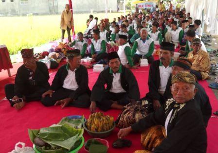 Labuh Massal Pak Tiwi-1 di Tulung Agung