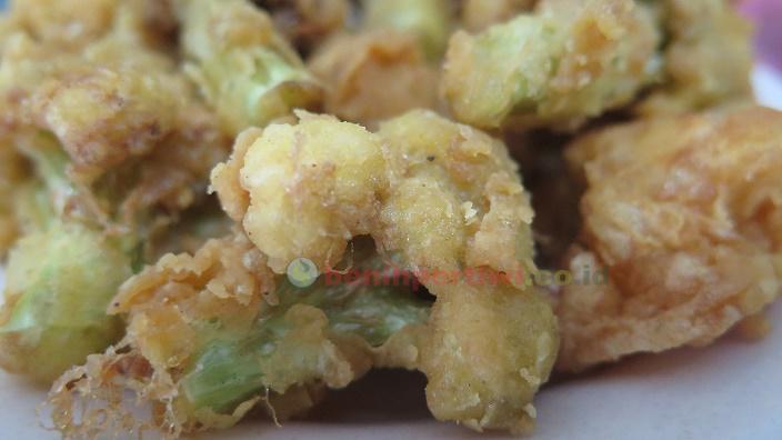 Ayam Crispy KW2 dari Bunga Kol Kusuma