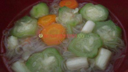 Membuat Sup Gambas Bihun Sehat