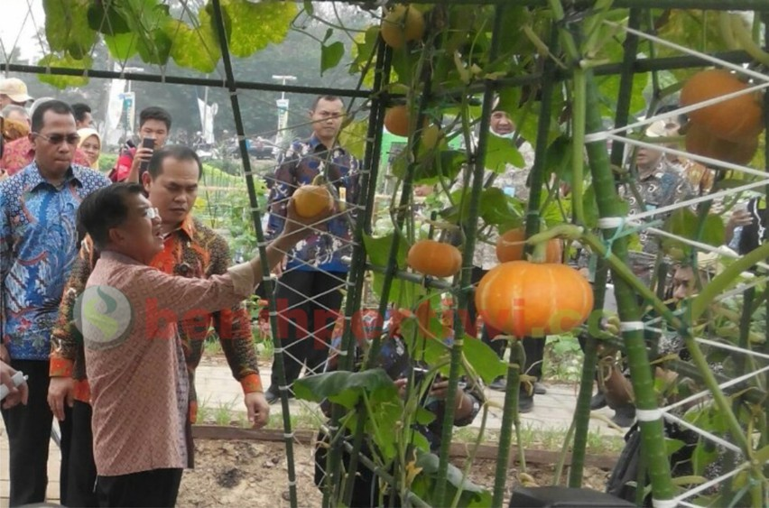 Wapres JK Membuka Peringatan Hari Pangan Sedunia ke 35 di Palembang